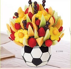 dinner_party_caterers_caterer_search_edible_arrangements__949_edmonton_14_1384440191