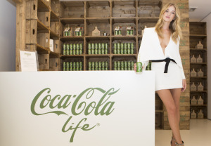 showbiz-rosie-huntingdon-whiteley-coca-cola-green-3