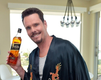 Johnny Drama & Johnnie Walker Reminds You: Don't Be An Idiot
