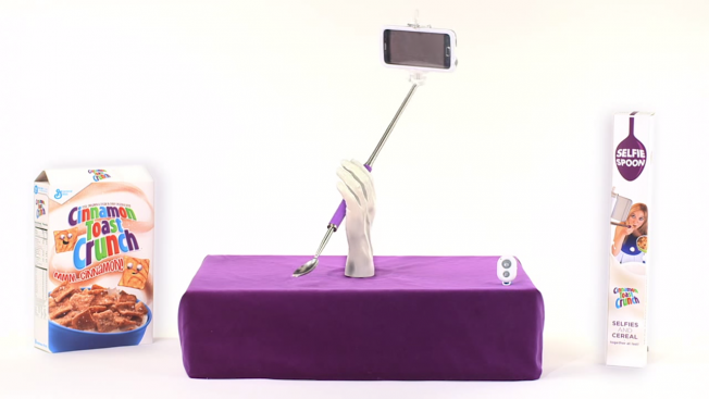 selfie-stick-spoon-hed-2015