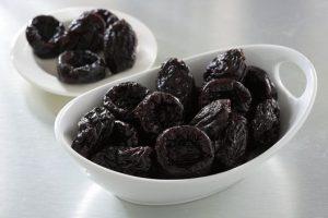 bowl-of-prunes01